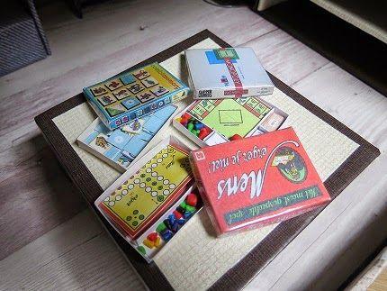 Spelletjes die we vroeger deden  Games we used to play. Mens erger je niet, Memory, Monopoly Miniature / miniatuur