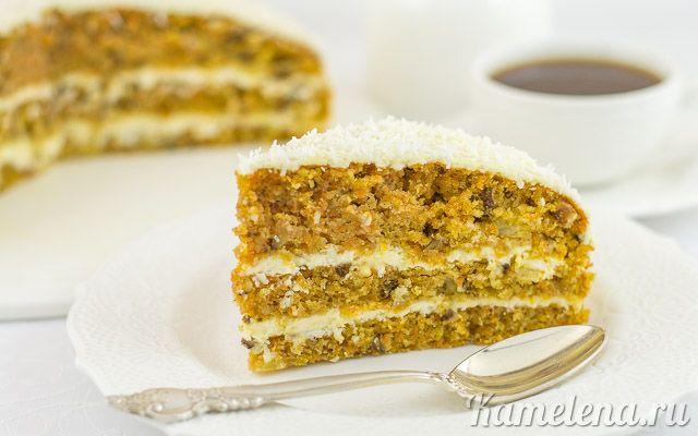 Сытный торт с тыквой. Ингредиенты: Тесто:  250 г тыквы (чистый вес) 250 г муки 200 г сахара 200 г растительного масла 200 г консервированных ананасов 80 г грецких орехов 3 яйца цедра половины апельси…