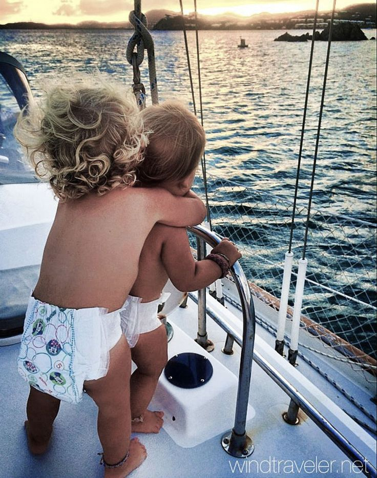This Adventurous Couple Are Raising Three Kids On A Boat In The Caribbean - Mpora