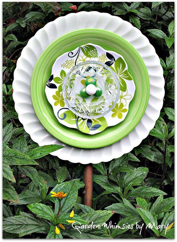 Green Petals Plate Flower Garden Stake - As Featured In Flea Market Gardens Magazine