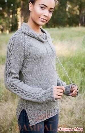 """Женский пуловер в спортивном стиле имеет необычный воротник со шнурком и рукава фасона «реглан».  Описание пуловера от дизайнера Jenny Williams переведено из книги """"Twist & Tweed""""."""