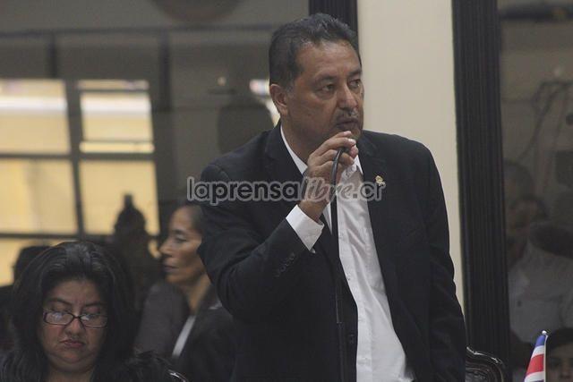 Bueno la verdad nadie en el PAC lo quería demasiado y ahora menos. (Benjamín Núñez Vega)   PAC declara persona non grata a diputado Víctor Morales https://www.laprensalibre.cr/Noticias/detalle/120238/pac-declara-persona-non-grata-a-diputado-victor-morales