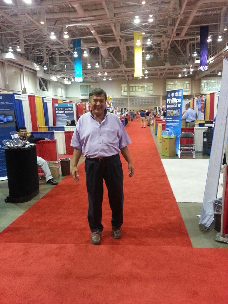 Rep. Dutch Ruppersberger, D-Md., (@Call_Me_Dutch): Enjoying the booths at #MacoCon in #oceancity! pic.twitter.com/nkWdwvp0Yw