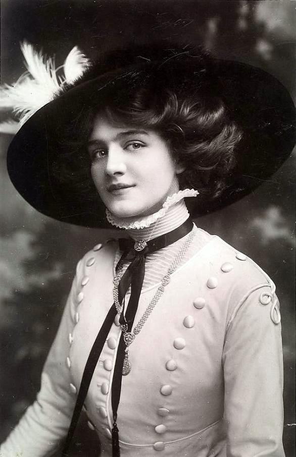 "Miss Lily Elsie 1886-1962 ""La bella della Belle Epoque""the most beautiful woman of Belle Epoque"