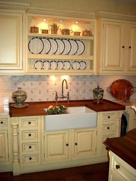 clive christian kitchens | Clive Christian Buttercream Kitchen | Atticmag | Kitchens, Bathrooms ...