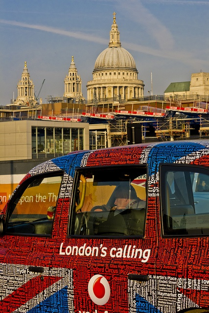 London's calling! (with St. Paul's cathedral in the background)