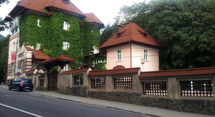 Vila Astoria Sinaia, cazare in camere duble, apratament, parcare proprie gratuita, bucatarie, gratar, sufragerie comun pentru servirea mesei, aroape de gara CFR