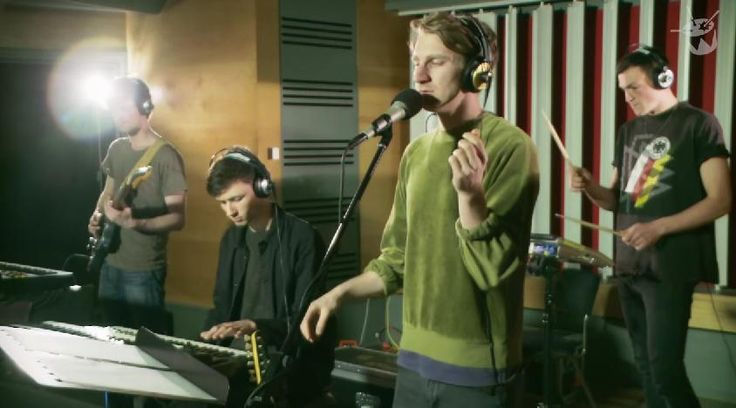 "Glass Animals cover Kanye West's ""Love Lockdown"" on Triple J"