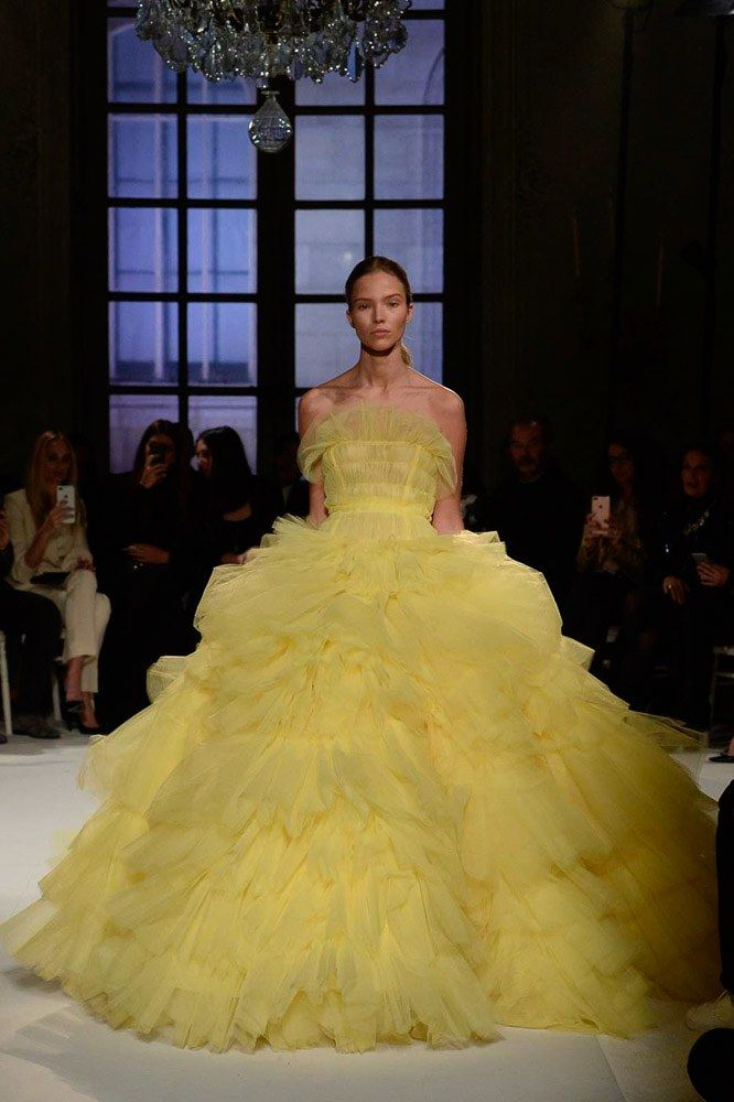 Giambattista Valli Spring 2017 Couture: Yellow has made an appearance at the Golden Globe! I have a feeling yellow will be the trend for award show season. I love this pale shade of yellow. This gown reminds me of a modern gown for Belle in 'Beauty and the Beast.