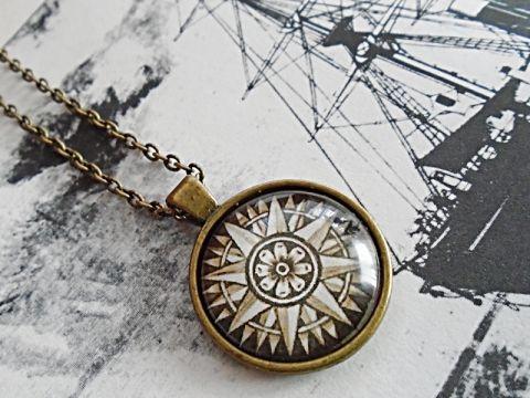 Vintage iránytűs üveglencsés nyaklác, Lugosine, meska.hu pendant with compass
