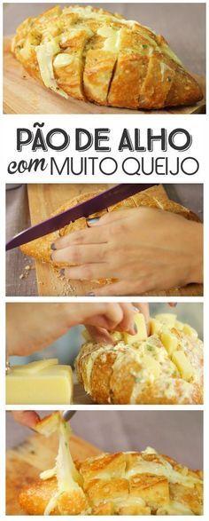 Pão de Alho com MUITO QUEIJO! Pão Italiano + Manteiga com Alho e Salsinha + Queijo Mussarela. Simples, rápido e fácil!