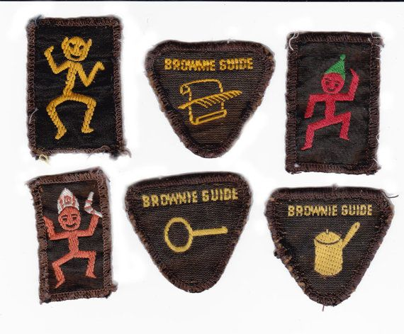 Leslie's Guiding History Site - Promise Badges