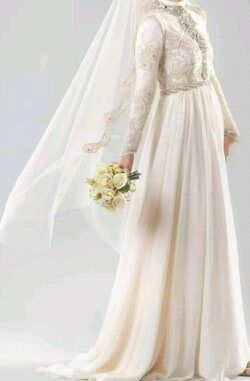 Simple, white and elegance  #weddingdress