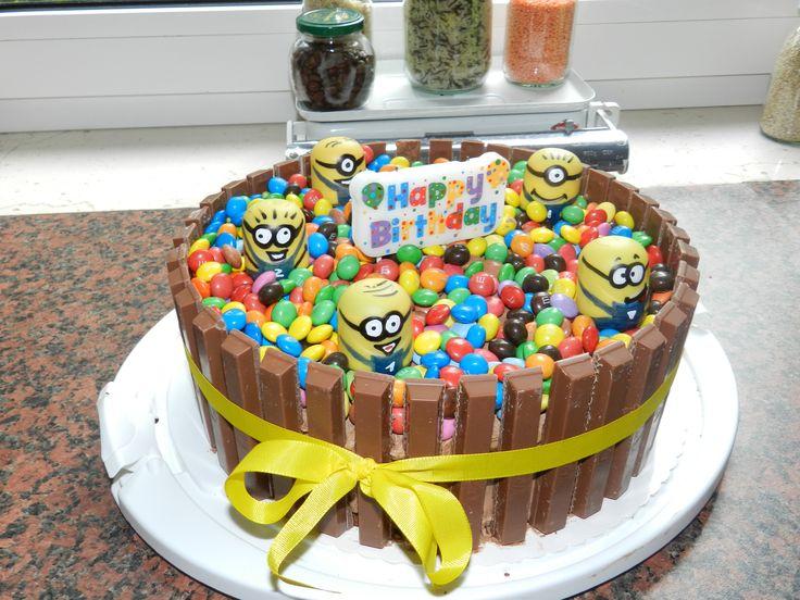 Die Besten 25 Kitkat Smartie Kuchen Ideen Auf Pinterest Cake Ideas