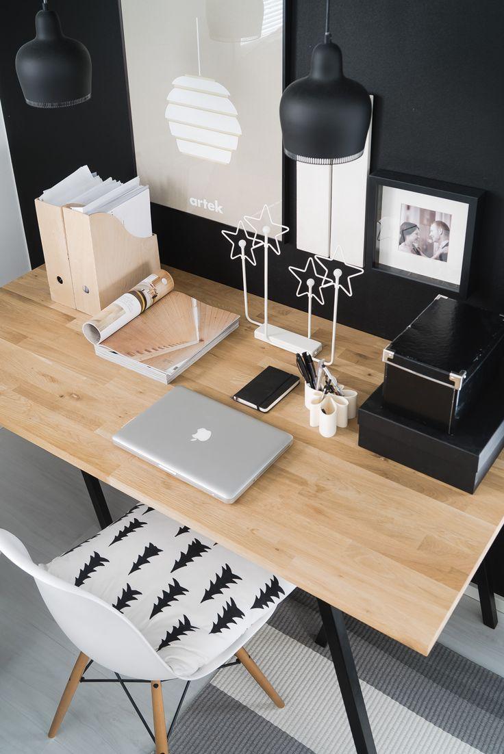 Schreibtisch · Lisbet E.   Home Office