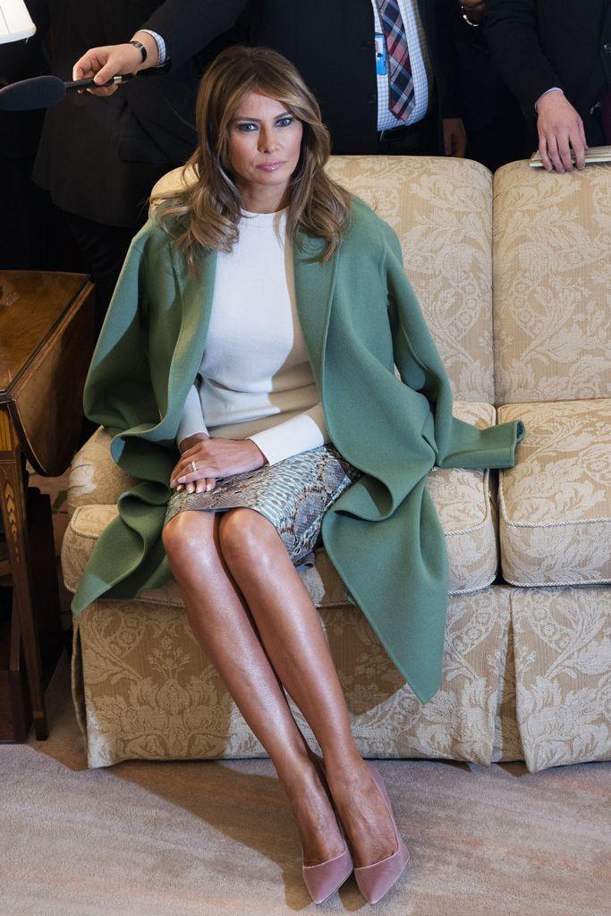 Melania Trump Greets Ecuador S President In A Python Print Skirt That Matches Her Pumps Trump Fashion Milania Trump Style Style
