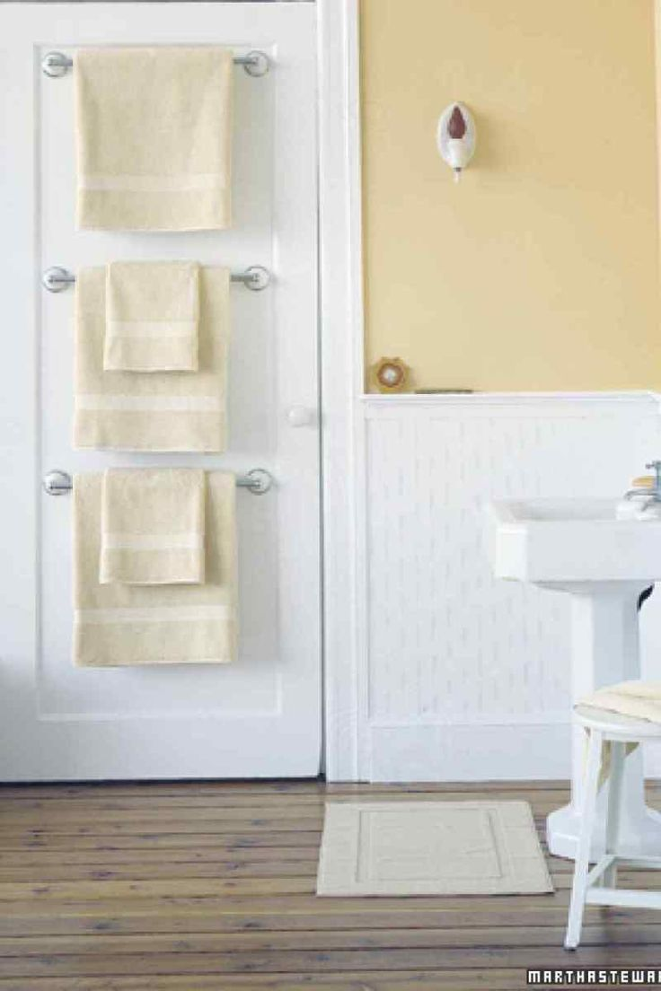 Bathroom floor towel racks - 7 Ways To Add Storage To A Small Bathroom That S Pretty Too