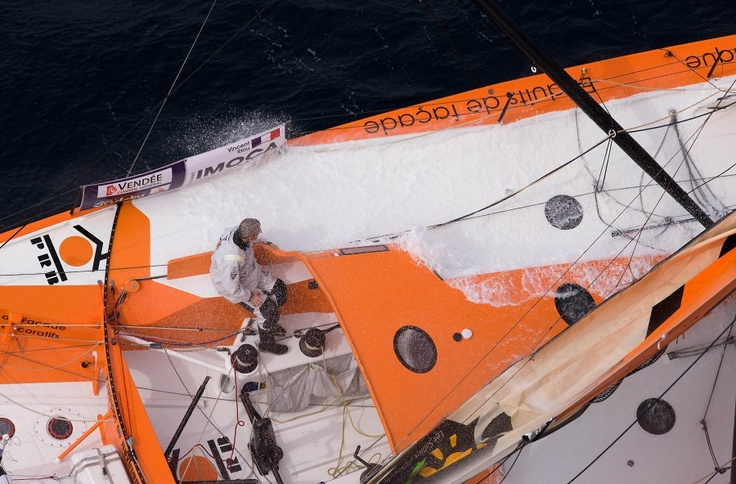 Vendee Globe: Single Handed 28'000 miles - will he make it? Vincent Riou / © Jean-Marie Liot / DPPI
