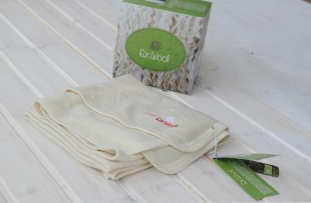 Dr.Wool Пеленка  — 2400р. -------------------------------------- Плотность 180 г/м2 однослойное Назначение: подходит для ежедневного использования в прохладную и холодную погоду.  Нежная, легкая, однослойная пеленка-одеялко бережно сохранит тепло малыша.  Можно использовать как пеленку для самых маленьких или как одеялко для дома и прогулок. Мультисезонное. Благодаря уникальным свойствам шерсти пеленка-одеялко защищает и от переохлаждения и от перегрева. Особенности модели: Мягкая и…