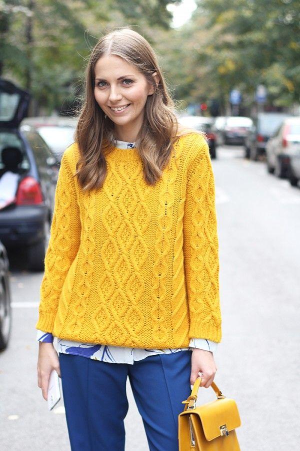 Идея для шоппинга: горчичный свитер 8