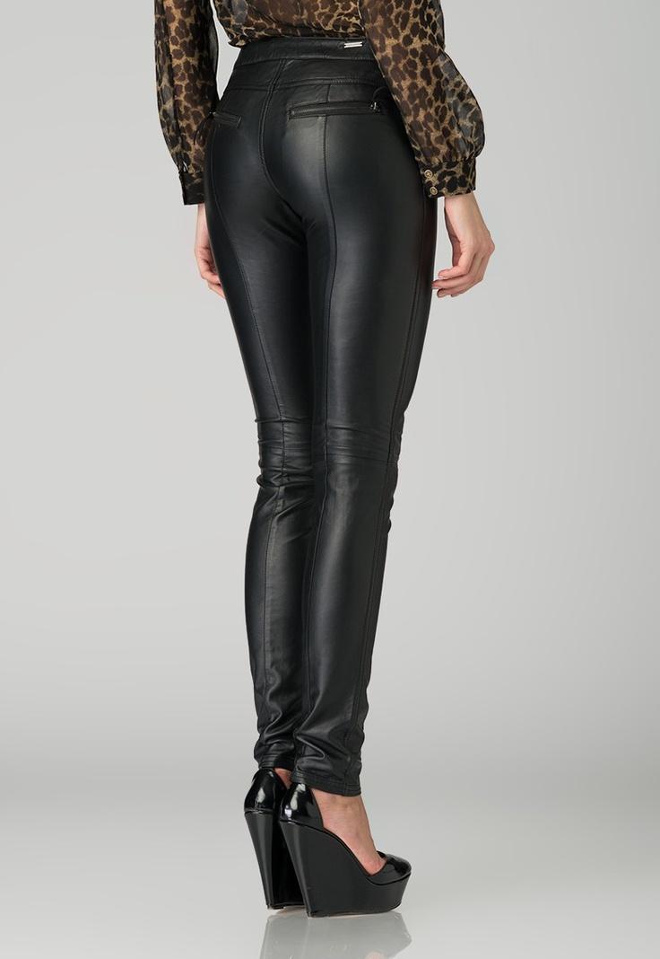 Fashion Days - Contureaza noul tau look! - Pantaloni negri Gilda