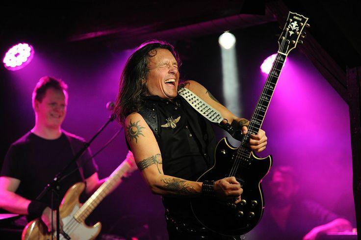 Søren Andersen sammen med Electric Guitars i Det Bruunske Pakhus i Fredericia.