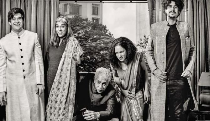 Growing Old Together: Naseeruddin Shah and Ratna Pathak's Love Story Restores Our Faith In Love - BollywoodShaadis.com