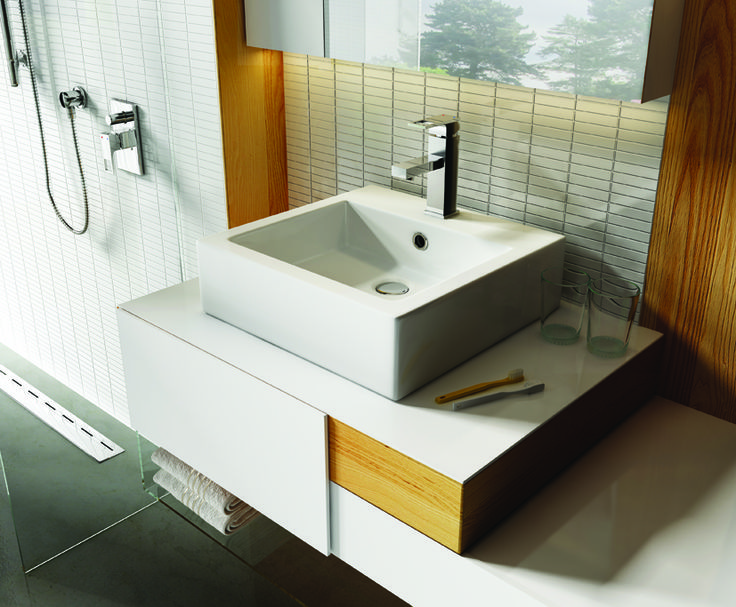 White bathroom, Deante.