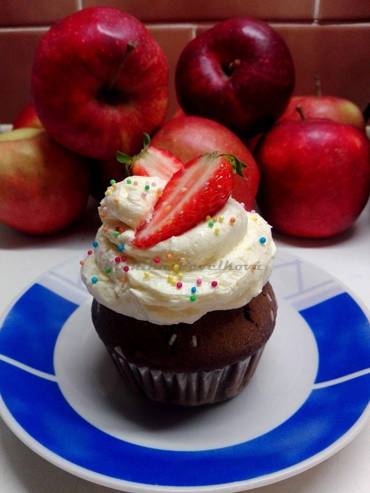 Strawberry cupcake. Jahodový muffin.