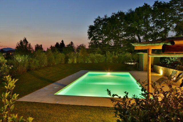 Luci, acqua, natura, spettacolare una nostra piscina al tramonto. www.Aqvam.com , costruiamo il tuo sogno di benessere.  #architecture #building #TagsForLikes #architexture #aqvam #urban #design #minimal #cities #town #nature #art #architecturelovers #abstract #sky #instagood #beautiful #archilovers #architectureporn #lookingup #style #archidaily #composition #geometry #geometric #pool #piscina #spring #spa #toscana