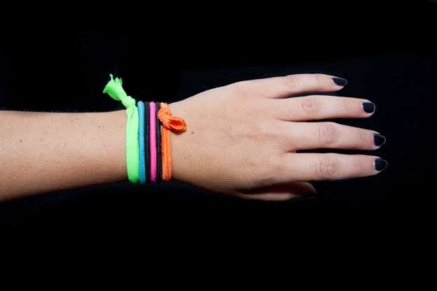 """Your skin is your body's biggest defense against germs"" - Check out this great article featuring our very own Dr. Adam Gropper, where he dives into the many reasons you need to stop keeping hair ties around your wrist! https://www.msn.com/en-us/health/healthtrending/the-serious-reason-you-need-to-stop-keeping-hair-ties-around-your-wrist/ar-AAqWZIa"