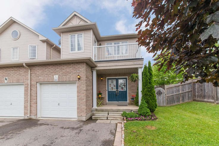 Absolutely Stunning End Unit(Like ... A Semi) Freehold Townhome Located In A Private Community Setting Nearly 1800 Sq.Ft. Open Concept Layout Loaded With Large Windows, Laminate Floors, Eat In Kitchen With Glass Backsplash, Gas Stove & Walk Out. Main Floor Laundry/Mud Room, Sep. Entrance To Basement & Garage Access. Fully Fenced Backyard With Entertainment Sized Deck. Premium 42' Pool Sized Yard.