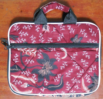 """Batik Indonesia Netbook Laptop Tablet sleeve case  Dimension approximate: L: 27cm(10.6"""") W: 21.5cm(8.5"""")  material : cotton and polyester Fit for any 10"""" device"""
