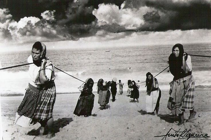Women pulling boat ropes - Portugal vintage photo by Anibal Sequeira