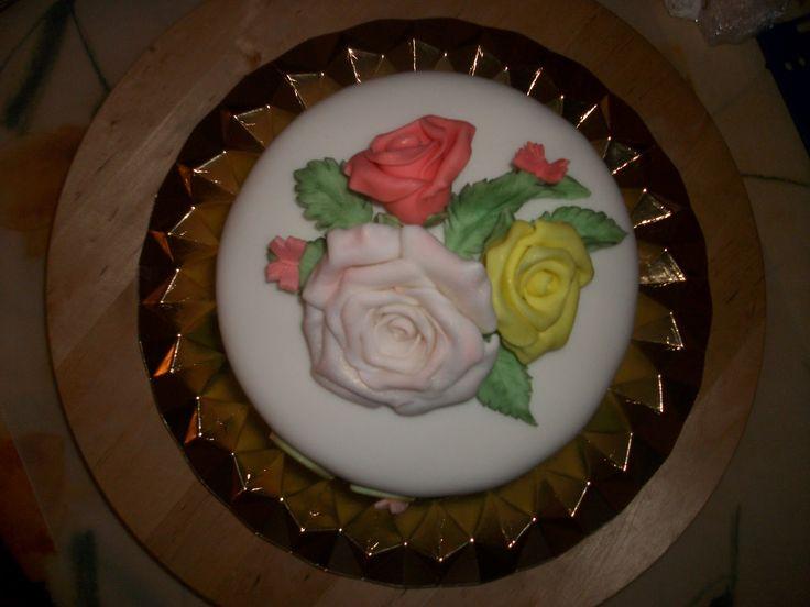 Tarta de fondant con rosas
