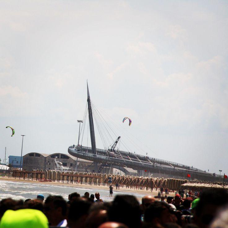 #Pescara il ponte del mare domina la prova di nuoto #ironman #triathlon #abruzzo
