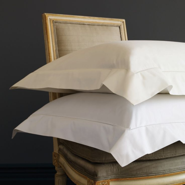 SFERRA Analisa sheeting - a crisp percale, perfect for the bedroom, guest rooms, or second home.