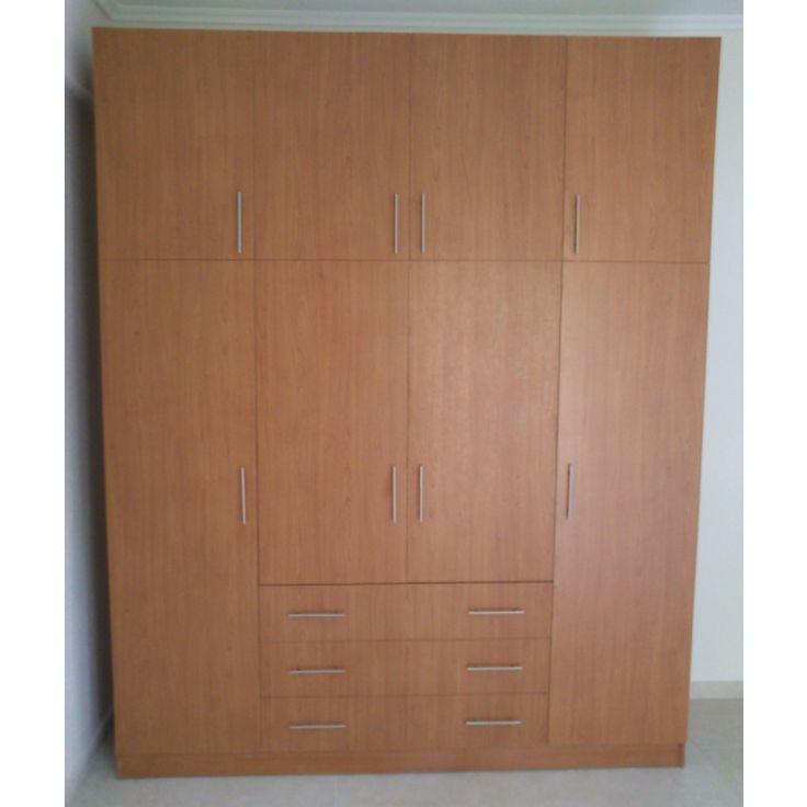 Τετράφυλλη ντουλάπα από μελαμίνη και εξωτερικά συρτάρια.