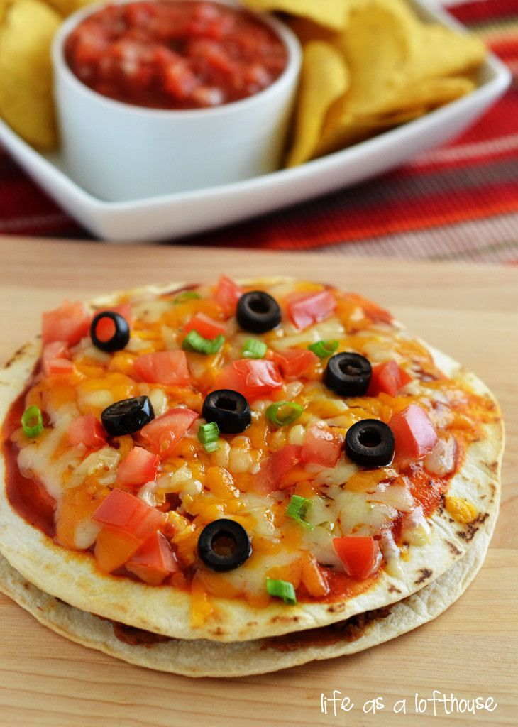 Mexican Pizzas! These are way better than the ones from Taco Bell, and are so easy to make!