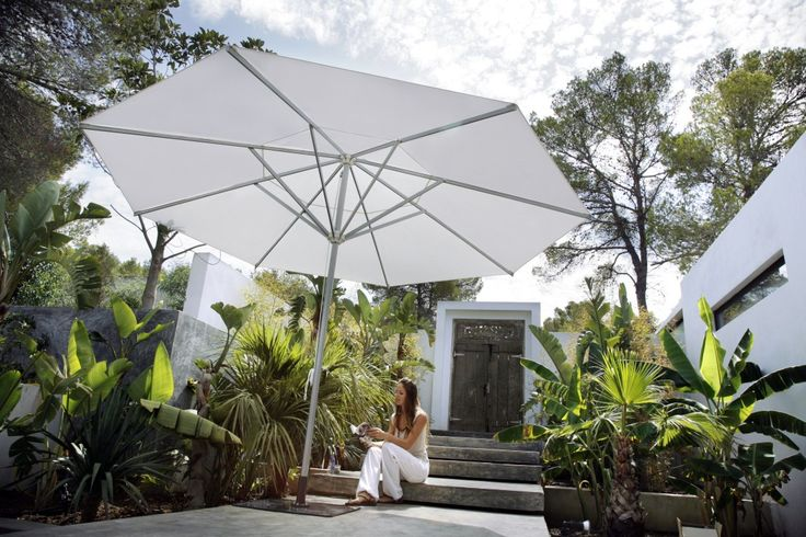 Simplicity and comfort - CARAVITA's Riviera range of parasols (aurinkovarjot) impresses with its no fuss, classic pulley system.  The perfect impromptu parasol for events, restaurant terraces or at home, the Riviera is designed to be flexible and portable.  With sizes from 2m - 5,5m there is a great selection from which to choose. For a list of all sizes go to https://s-media-cache-ak0.pinimg.com/originals/98/35/d8/9835d829265f56d1af207062528bbcd2.jpg