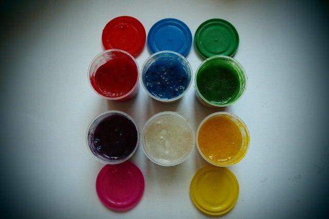 Strefa Dzieci - Farbki do malowania palcami, zrób je sam!