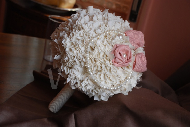 A ME PIACE LEI - bouquet da sposa in cotone, corda, juta e perle  www.vaslove.com