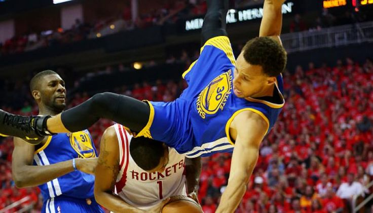 Stephen Curry On Game 4 Fall: 'I Felt Like I Was In The Air For A Long Time'