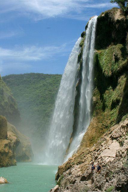 Cascada de Tamul in Huasteca Potosina, Mexico
