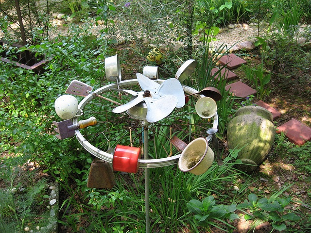 Nina 39 s wind spinner by pandorea via flickr quite for Homemade garden decor crafts