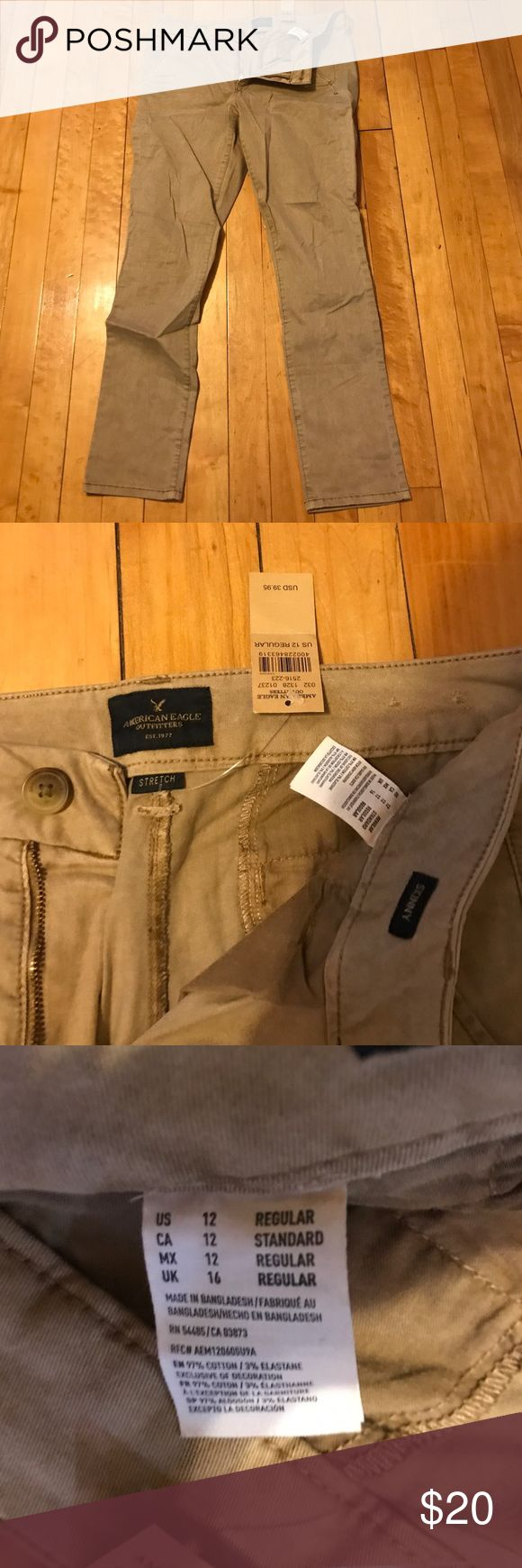 American eagle khakis Women's American eagle skinny khaki pants. Never worn tags still on American Eagle Outfitters Pants Skinny
