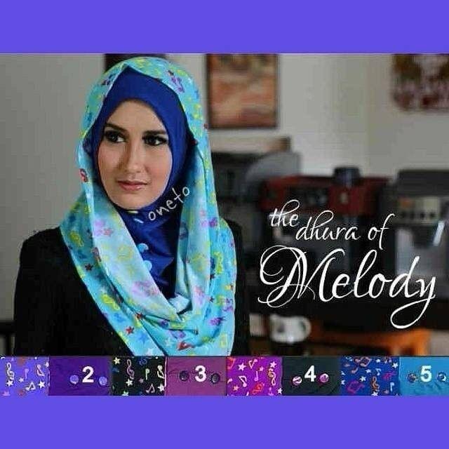 Pasmina / kerudung / jilbab / instan / hoodie / syria / segi empat / square  Cek our instagram : kaniyacollection