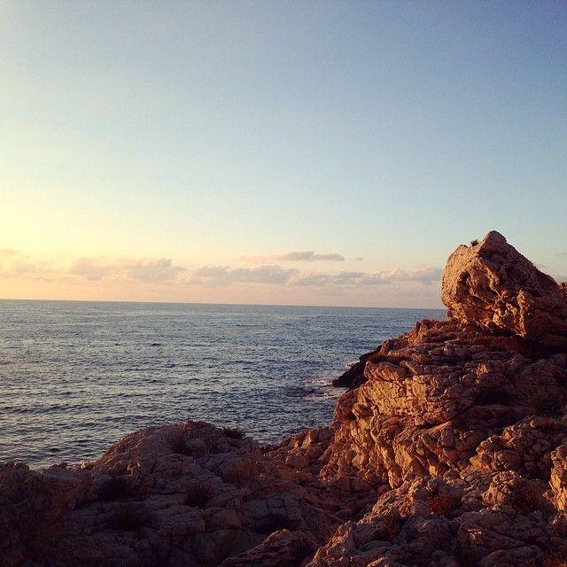 Scogli sul mare della Sicilia