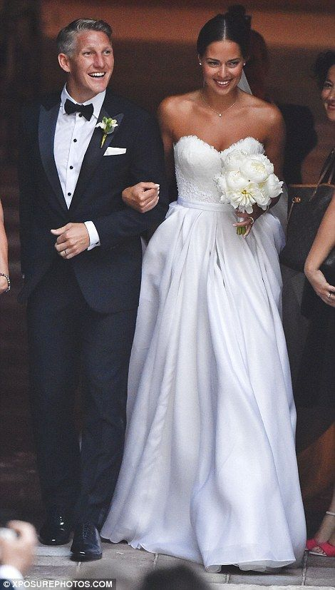 Ana Ivanovic exchanges vows with Bastian Schweinsteiger at Venice church | Daily Mail Online