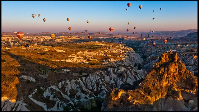 Cappadocia Ballooning, Turkey: Boutiques Hotels, Daily Posts, Ambianc Lights, Baloon Skiing, Chic Design, Culture Baloon, Cappadocia Fairychimney, Fairychimney History, Design Style